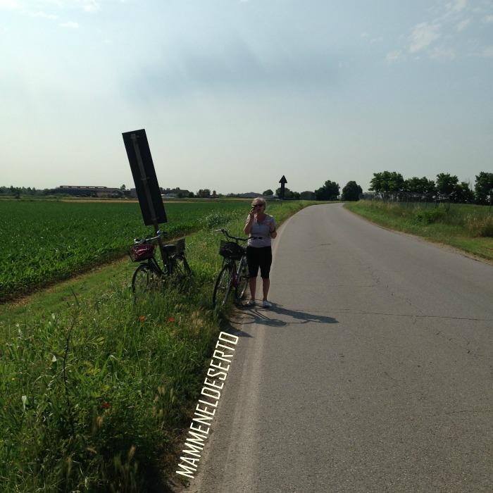 in campagna in bicicletta